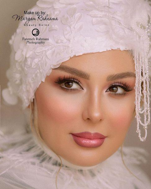 چهره نیوشا ضیغمی به عنوان مدل آرایشی