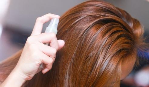 چه زمانی از کریستال مو استفاده کنیم  قبل از سشوار و اتو کشیدن مو  یا بعد از آن؟