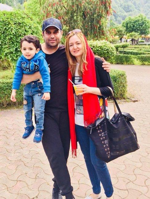 حمید عسکری در کنار همسر و پسرش