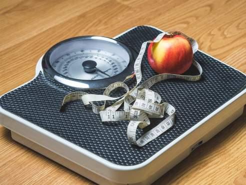 کاهش وزن با میوه,میوه هایی برای لاغر شدن,کاهش وزن با 5 میوه لاغر کننده