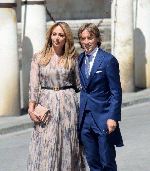 لوکا مودریچ و همسرش را در مراسم ازدواج سرخیو راموس
