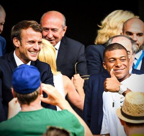 کیلیان امباپه فوق ستاره فوتبال و امانوئل مکرون