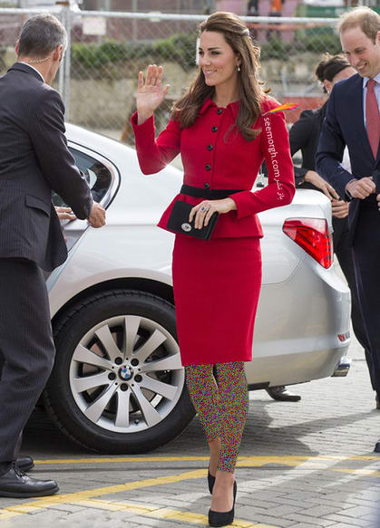 کت و دامن قرمز پر رنگ به سبک کیت میدلتون Kate Middleton,کت و دامن,کیت میدلتون,مدل کت و دامن,کت و دامن کیت میدلتون,مدل کت و دامن به سبک کیت میدلتون