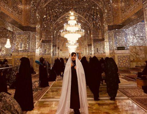 عکس مریم معصومی در حرم امام رضا (ع)