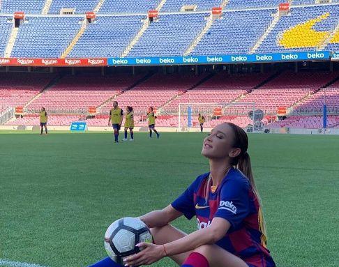 مدل روس در تمرینات بارسلونا