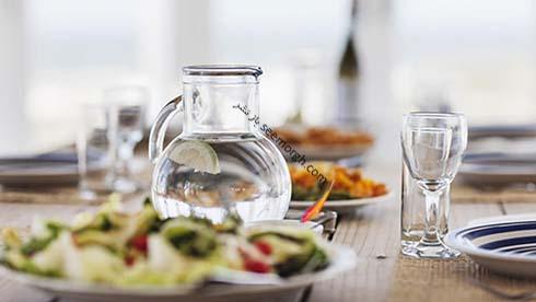 فواید و مضرات مصرف نوشیدنی با غذا
