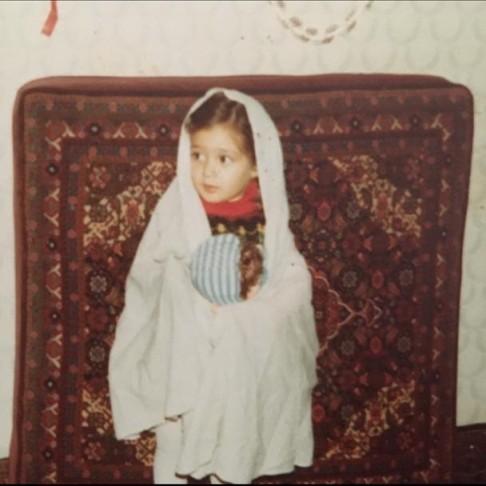 عکس الهام حمیدی در کودکی