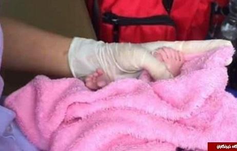 نوزاد 24 انگشتی به دنیا آمد