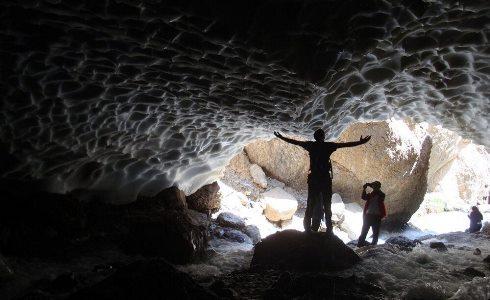 تونل برفی,اشترانکوه,کوه های برفی,سفر,کوهنوردی