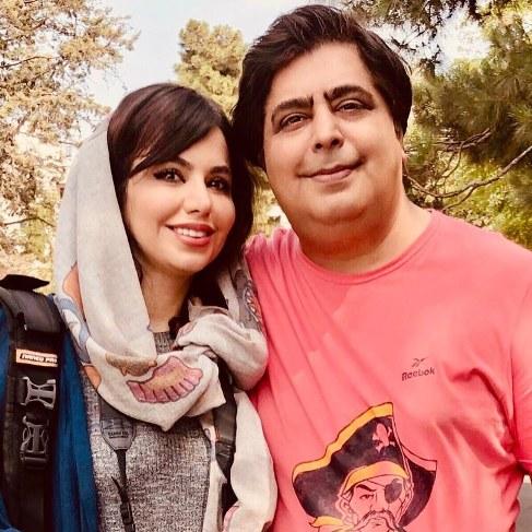 عکس رضا شفیعی جم در کنار خواهرش