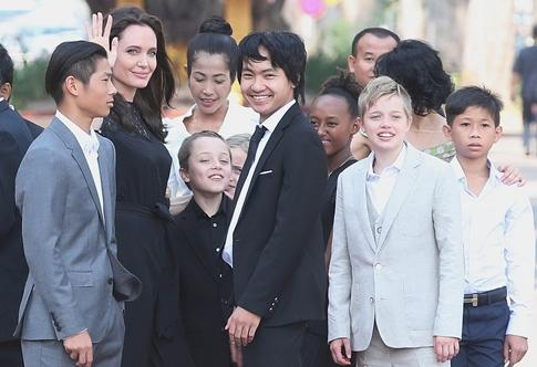 آنجلینا جولی,عکس,آنجلینا جولی و فرزندانش