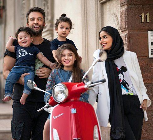 بنیامین بهادری در کنار همسر و فرزندانش