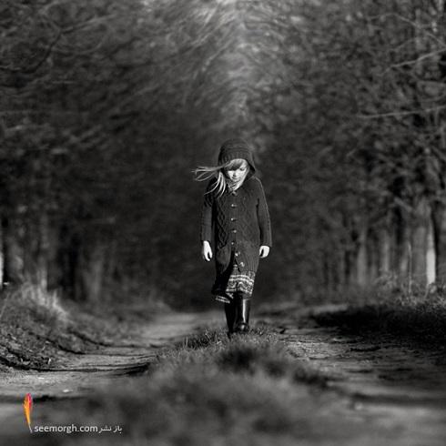 عکس مفهمومی سیاه و سفید از دختر