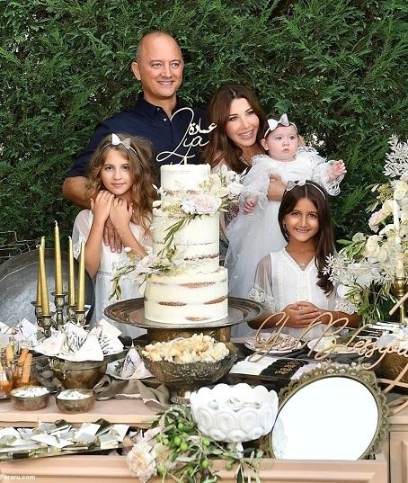 نانسی عجرم در کنار همسر و فرزندانش
