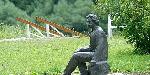 مجسمه ایلیا رپین نقاش تاریخی