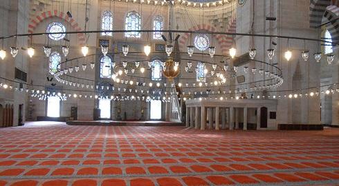 نمایی از داخل مسجد سلیمانیه