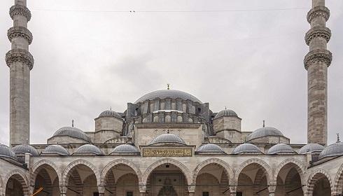نمای بیرونی مسجد سلیمانیه در استانبول ترکیه