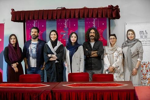 حضور هنرمندان در نشست خبرى نمایش «نیمه تاریك ماه»