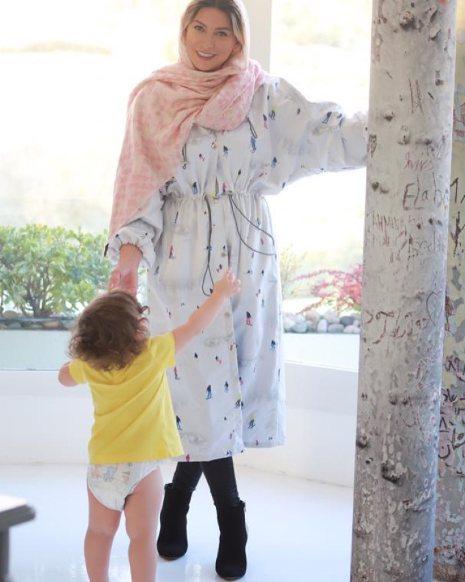 عکس فریبا نادری در کنار دخترش