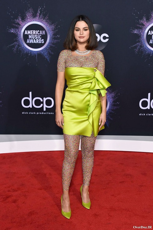 سلنا گومز در فرش قرمز مراسم جوایز موسیقی آمریکا 2019