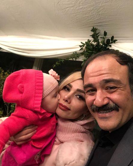 مهران غفوریان در کنار همسر و دخترش