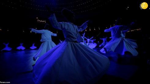 رقص سماع در بزرگداشت مولانا در قونیه