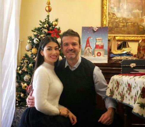 آندره آ استراماچونی و همسرش دالیلا در جشن کریسمس