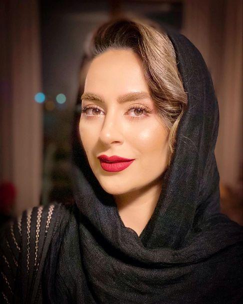 عکس سمانه پاکدل به عنوان مدل آرایشی