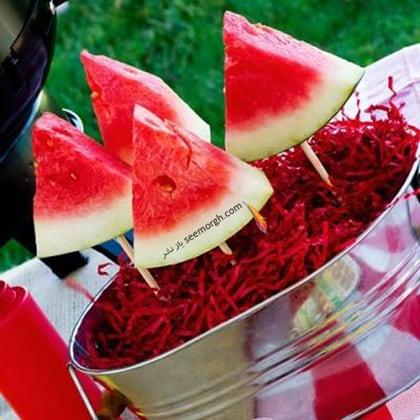 هندوانه شب یلدا را اینطوری تزیین کنید!,تزیین هندوانه شب یلدا با برش های مثلثی و ساده