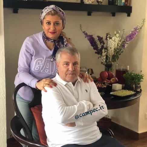 علی پروین در کنار دخترش