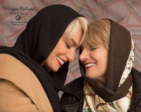 عکس اليكا عبدالرزاقى در کنار مادرش