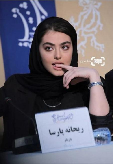ژست های ریحانه پارسا در جشنواره فجر98,عکس های ریحانه پارسا,خوب بد جلف2,سام درخشانی و پژمان جمشیدی