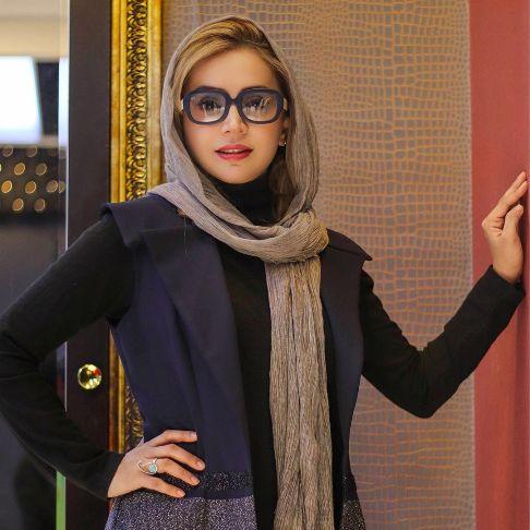 چهره شبنم قلی خانی با عینک