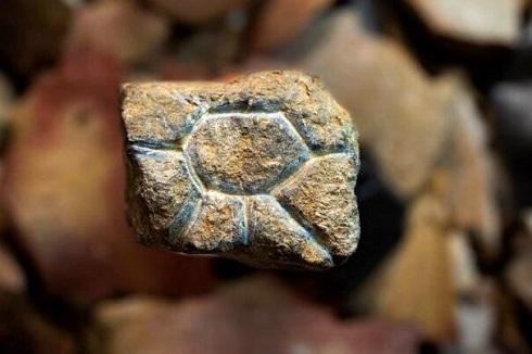 سنگ نگاره مینیاتوری ۲۰ هزار ساله