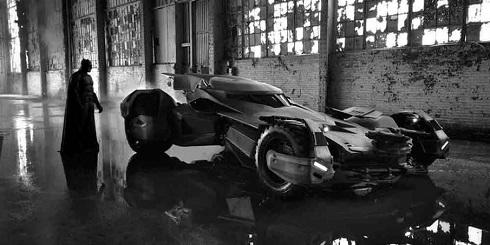 اتومبیل بتمن در مقابل سوپرمن لیگ عدالت