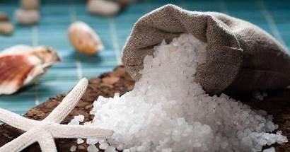 استفاده از نمک دریایی برای سفید کردن دندان,7 فایده نمک دریایی برای عروس خانمها