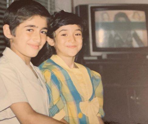 بهاره افشاری و برادرش در کودکی