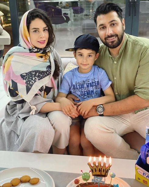 احسان خواجه امیری در کنار همسر و پسرش
