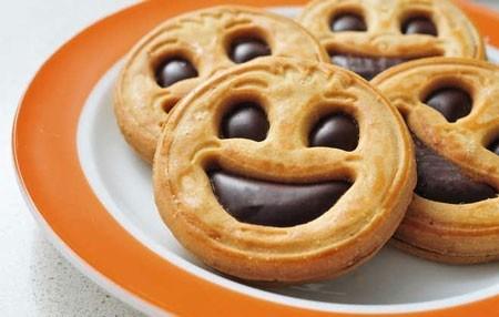 با غذاهای شادی آور زانوی غم بغل نگیرید