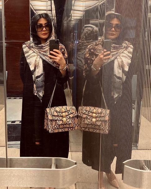 سلفی مریم معصومی در آسانسور