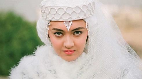گریم نیکی کریمی در فیلم عروس