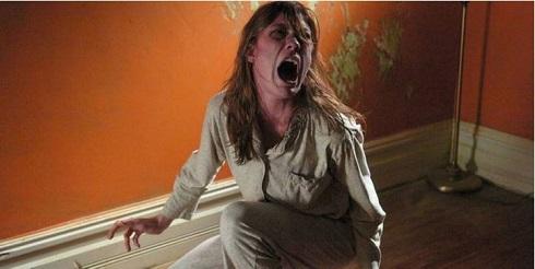 فیلم ترسناک جنگیری امیلی رز
