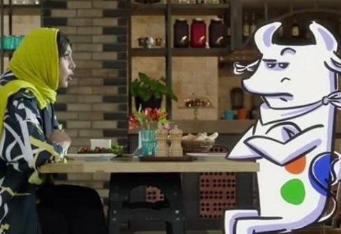 آزاده صمدی در تبلیغات پنیر با یک گاو همبازی شد