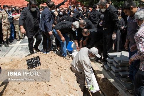 مراسم خاکسپاری پیکر زنده یاد سیروس گرجستانی بازیگر سینما و تلویزیون