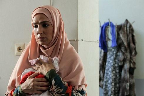 ملیکا شریفی نیا، حسام منظور و سارا رسول زاده در نجلا + عکس