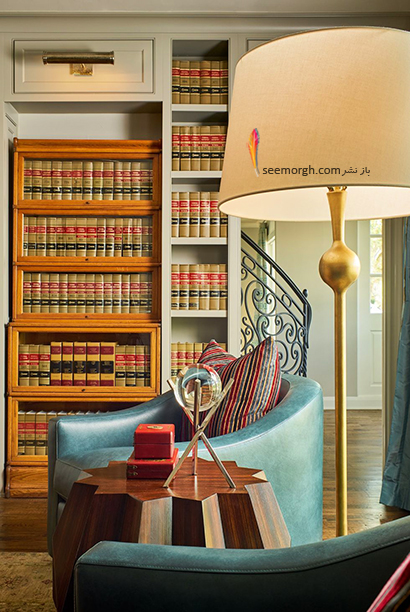 کتابخانه خانگی به رنگ چوب با مبلمان آبی روشن,مدل کتابخانه خانگی دیواری، ایده هایی نو، جذاب، گرم و دلنشین