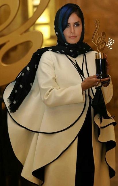 مدل مانتو الناز شاکردوست در جشن حافظ 99,مدل مانتو بازیگران زن ایرانی در جشن حافظ 99