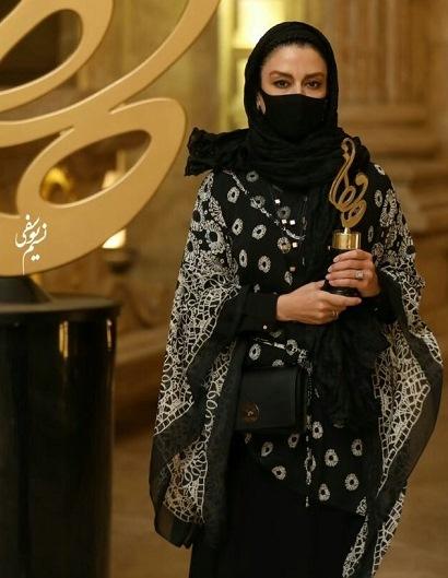 مدل مانتو مریلا زارعی در جشن حافظ 99,مدل مانتو بازیگران زن ایرانی در جشن حافظ 99