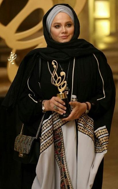 مدل مانتو نرگس آبیار در جشن حافظ 99 ,مدل مانتو بازیگران زن ایرانی در جشن حافظ 99