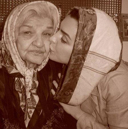 ماه چهره خلیلی و مادربزرگش پروین سلیمانی